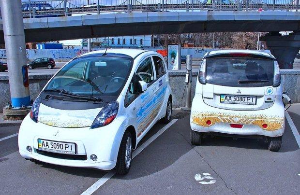 Электромобили в Украине. Фото: Автоцентр