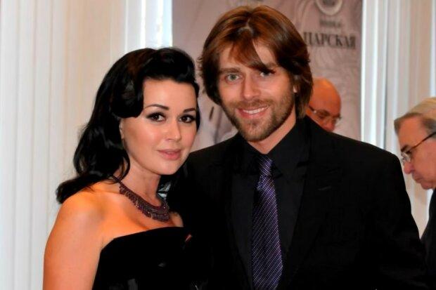 Анастасія Заворотнюк і Петро Чернишов.  Фото: скріншот YouTube