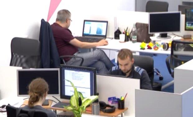 Работа. Фото: скриншот Youtube-видео