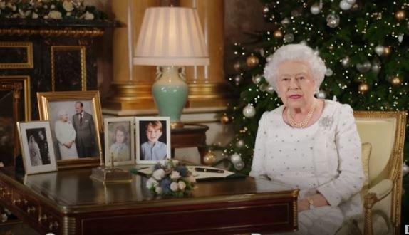 Королева Елизавета II. Фото: скриншот YouTube.