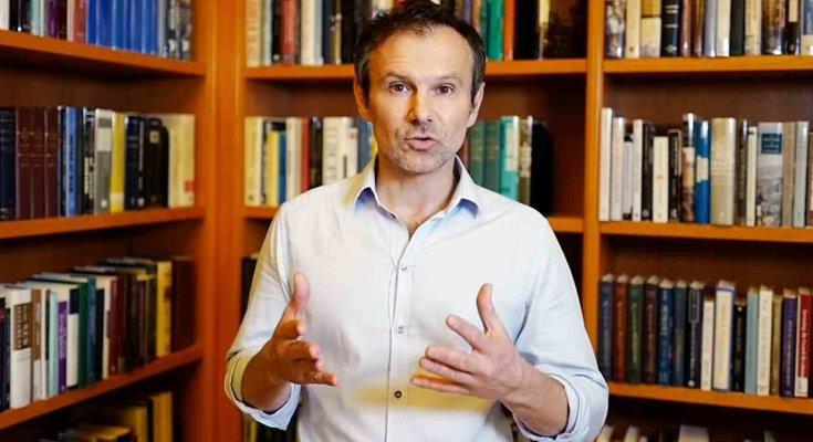Вакарчук оскандалился: требует поднять депутатские зарплаты. Теперь понятно, на чьей он стороне