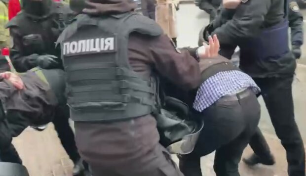Задержания полицией. Фото: скриншот Youtube-видео