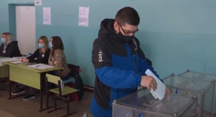 Местные выборы в Украине 2020. Фото: скриншот Youtube-видео