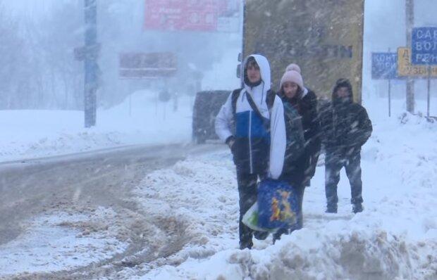 Непогода в Украине. Фото: скриншот YouTube