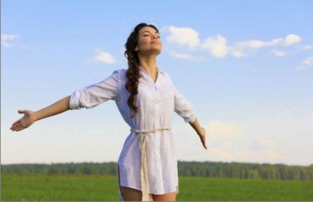 Упражнение, улучшающее вентиляцию легких. Фото ludirosta.ru