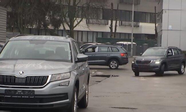 Автомобили. Фото: YouTube, скрин