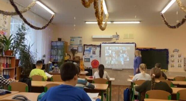 Школьники. Фото: скриншот Youtube