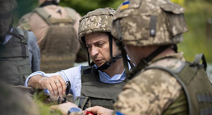 У Зеленского рассказали о всеобщей мобилизации и срочном наступлении на Донбассе