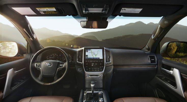 Если не хватает денег: китайцы показали миру клон Toyota Land Cruiser 200. Японцы крепко удивятся