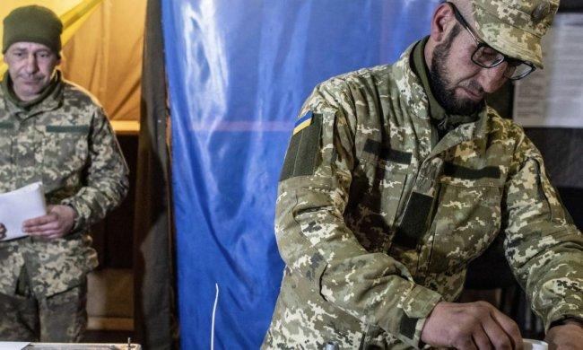 Маломуж рассказал, почему военные не поддержали Порошенко на выборах