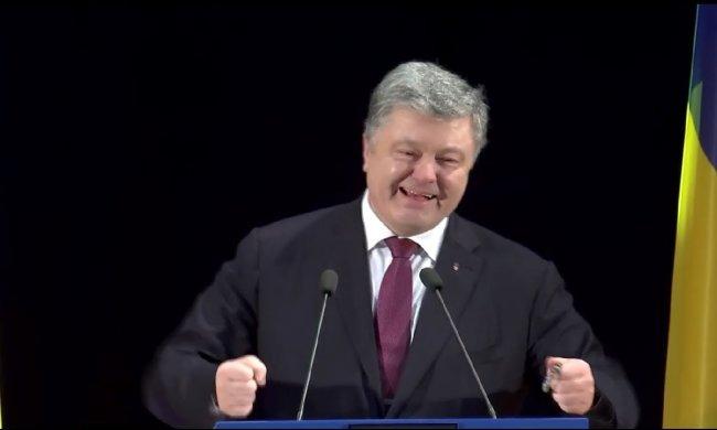 Порошенко взял Зеленского на слабо: «Жду завтра в 9:00 в медпункте для сдачи анализов»