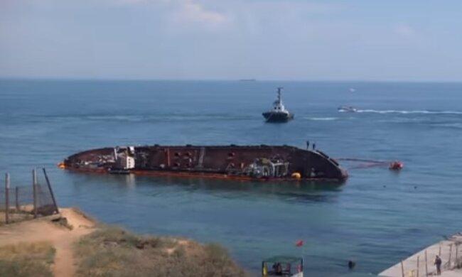 Эпопея с танкером Delfi: поднятие перенесли после тщетных попыток поднять громадину