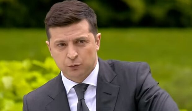 Зеленский сделал неожиданное заявление по поводу люстрации чиновников. Фото: скрин YouTube