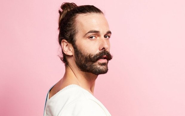 Это неожиданно: впервые на обложке Cosmopolitan появился мужчина в рюшах,  кто он   Ukrainianwall.com