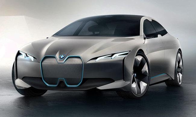 BMW выпустит новый электромобиль с необычным рулем