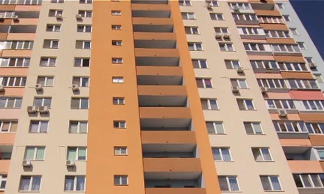 Соседи требуют изолировать семью больного коронавирусом. Фото: скриншот YouTube