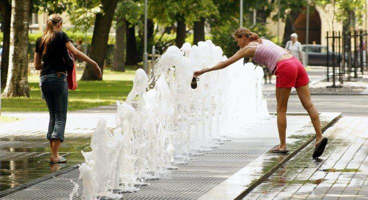 Украинцев предупредили об адской жаре: будет как в Индии