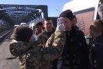 Украинцы могут осознанно завозить коронавирус в страну. Фото: скрин YouTube