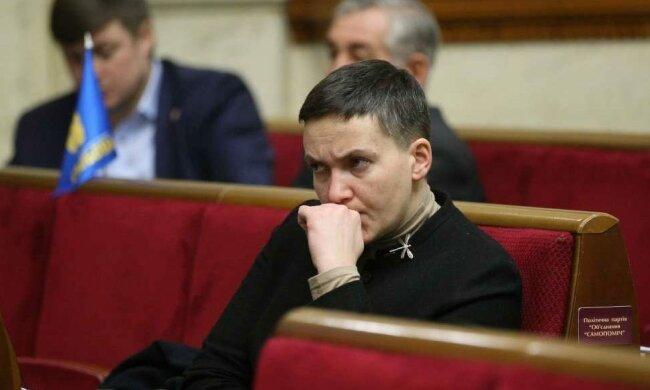 Савченко вляпалась в скандал. Обозвала начальника Генштаба, а потом извинилась