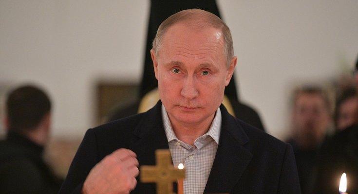 """""""Грехи не отмолит"""": пользователи сети разгневаны новым пафосом Путина прямо в церкви"""