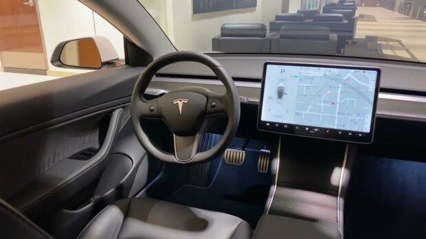 Салон Tesla Model 3. Фото: скрин youtube