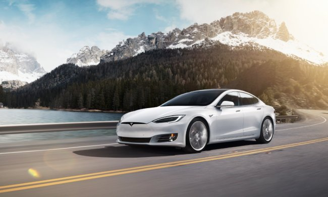 Илон Маск получит плюсик к карме: Tesla Model S отличилась рекордом