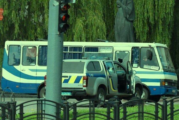 Захват заложников в Луцке. Фото: скриншот YouTube