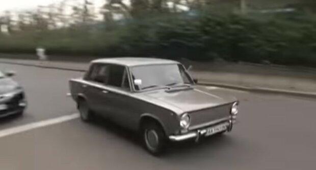 Украинские водители будут платить налог по-новому. Фото: ТСН, скрин