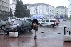В Украине поменяется погода: жару разбавят дожди. Фото: скриншот YouTube