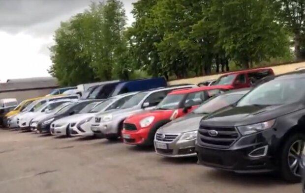 В Украине вырос налог на продажу автомобилей б/у. Фото: скриншот YouTube