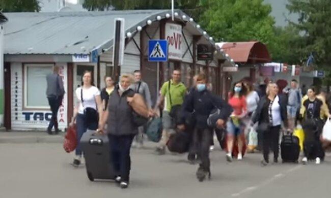 Кто имеет право выехать на заработки в Польшу. Фото: скриншот YouTube