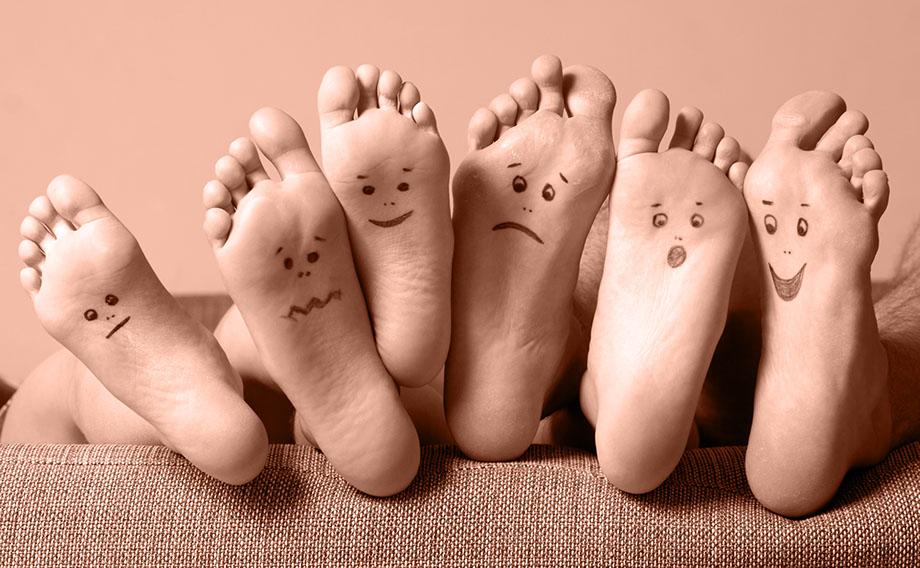 Открытки маме, картинки ступней ног смешные