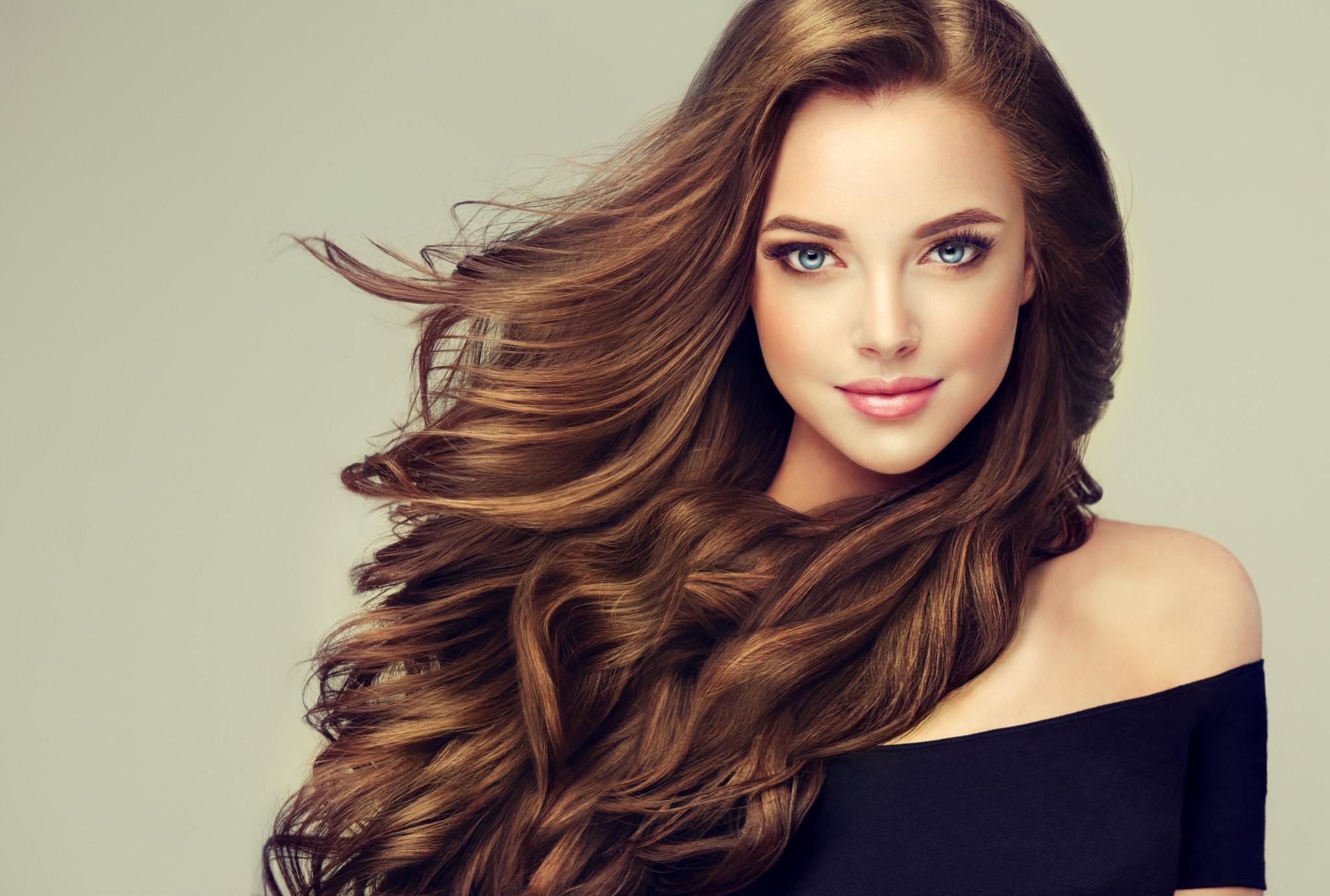 Красивые девушки с шикарными волосами фото — img 12