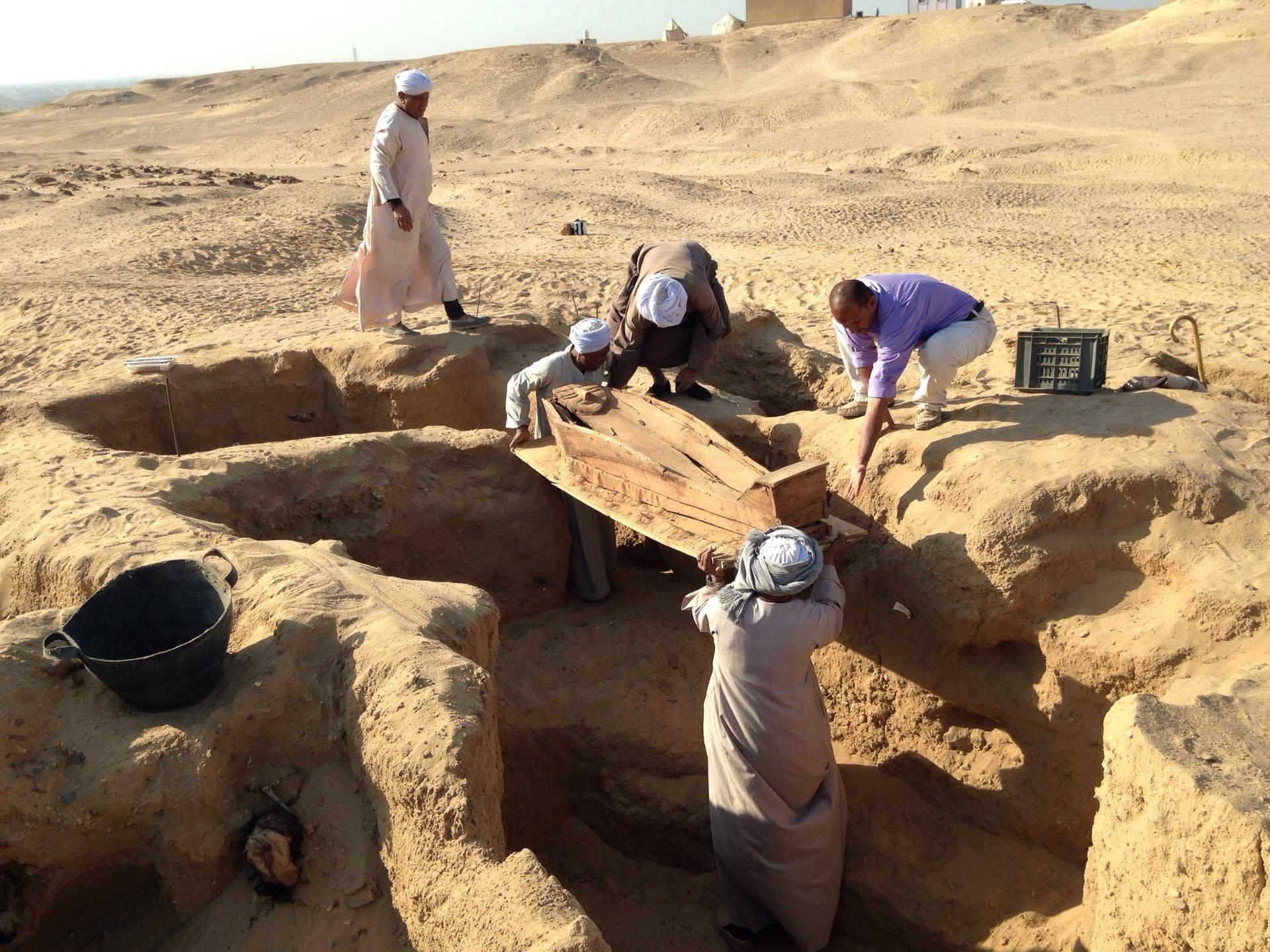 более раскопки древнего египта фото спальном помещении люди