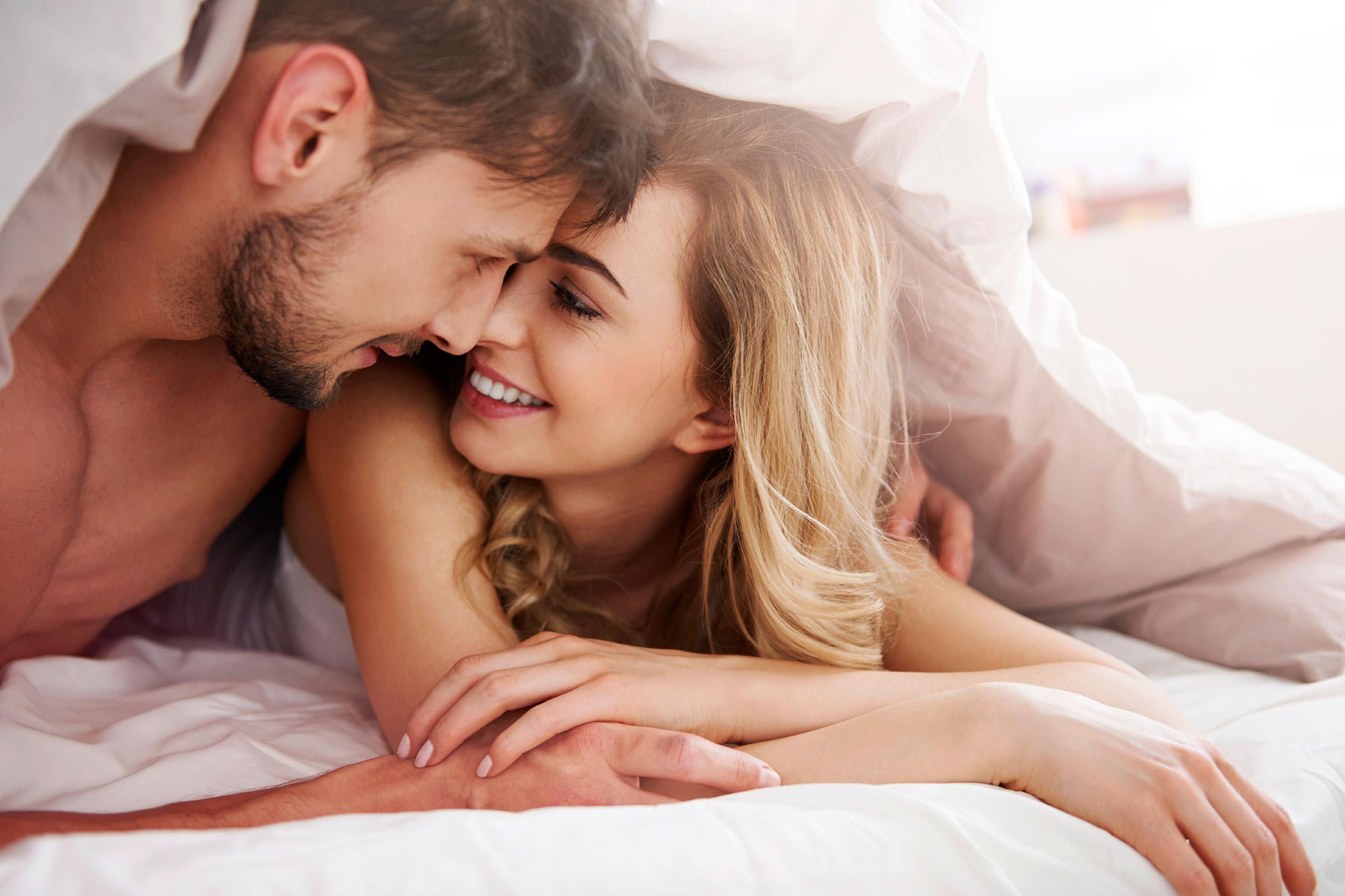 любимая поза молодая пара зафиксированная